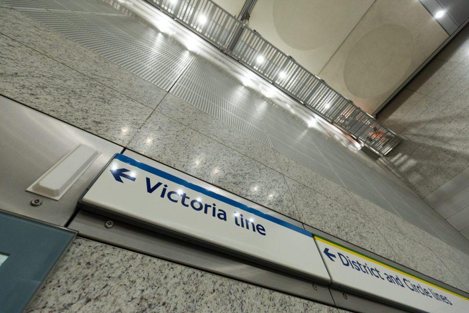 Victoria Station, Travelling Gantry, Training