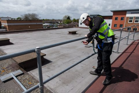 Inspection of barrier, Balustrades & guardrail